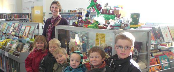 Børnehaverne Brolæggervej udstiller på Sæby Bibliotek