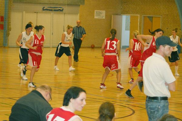 Basketball gyser i Sæby Fritidscenter