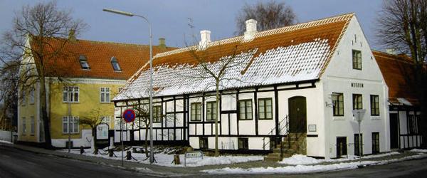 På skolebænken i Sæby Museum