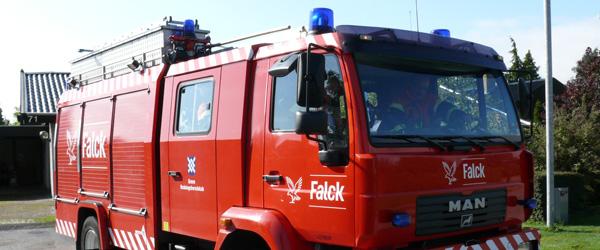 Fyrfadslys udløste brand i villa på Hjulmagervej