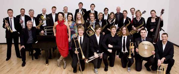 Sæby Big Band spiller på Sæby Torv