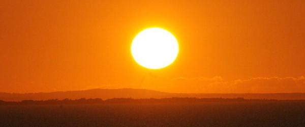 Hvorfor skaller huden ved solskoldning?
