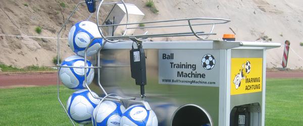 Ny fodboldrobot afprøves eksklusivt hos IF Skjold Sæby
