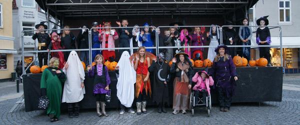 Halloween arrangement for børn på Sæby Torv