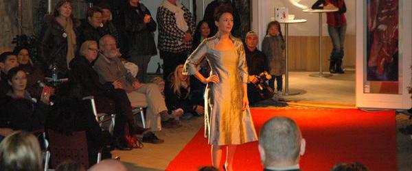 Modeshow hos Helle S, Vestergade i Sæby