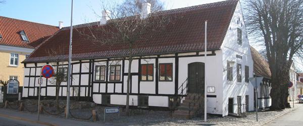 """""""I en kælder sort som kul"""" – på Sæby Museum"""
