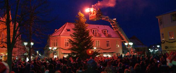 """""""Julemor"""" varmede op til juletræ's tændingen"""