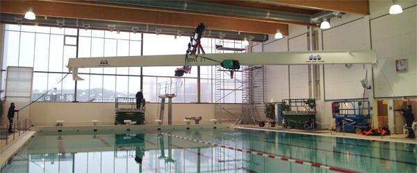 Martec installere helikopter i Sæby Svømmehal