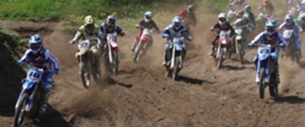 Standerhejsning i Frederikshavn Motocrossklub