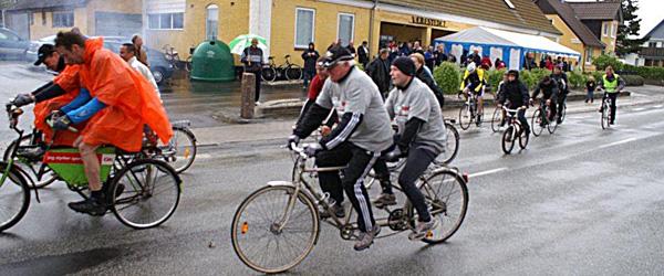 For 108.878.00 kroners cykeltramp i regnvejr