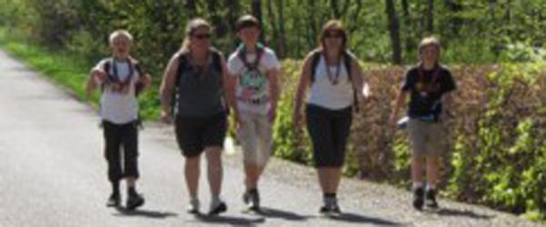 Juniorspejdere på vandretur rundt i Sæbys omegn