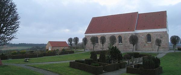 Friluftsgudstjeneste og grillfest ved Karup Kirke