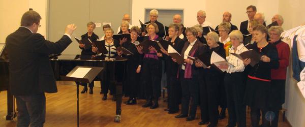 Sæby Voksenkor synger i Manegen