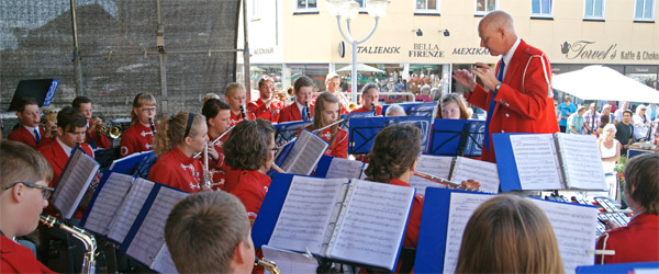 Sæbygarden leverede flot show på Sæby Torv