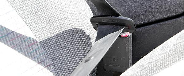 Sikkerheden i biler og busser skal strammes