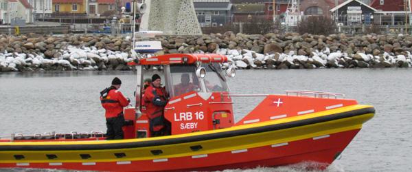 Fire mand reddet i land ud for kysten i Voerså