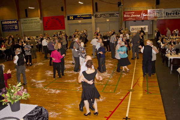Danseaften 2011-1_600x400