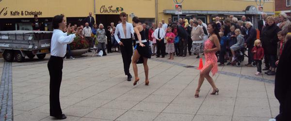 Lokale dansere søger nye sponsorer