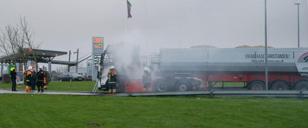 Lastbil i brand ved Trafikcenteret i Sæby