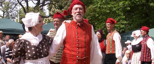 Konkurrence i folkedans i pardanse for første gang