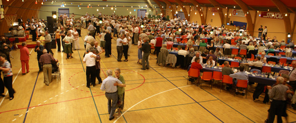 Forårsparty i Syvsten Hallen med danse- og musikoplevelser