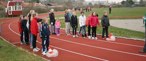 98 til standerhejsning i Sæby Atletik