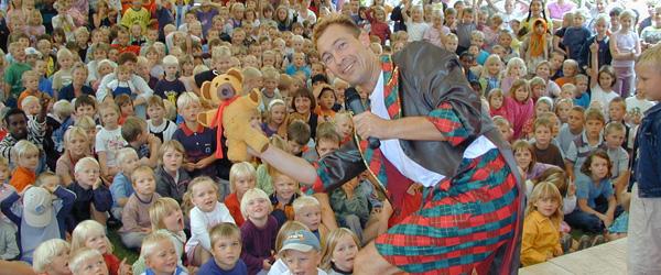Sæby får besøg af (måske) DK's bedste tryllekunstner!