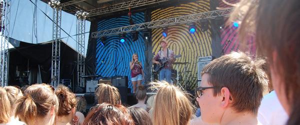 Elever fra Hørby Efterskole spiller på musikfestival