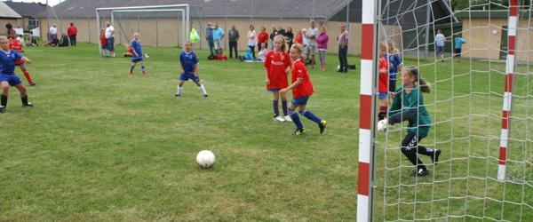 Idrætsuge med fodbold og alternativ sport