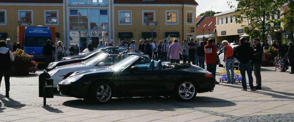 Biler for mange millioner på Sæby Torv