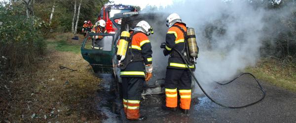Bil udbrændte på Grønhedevej i eftermiddag