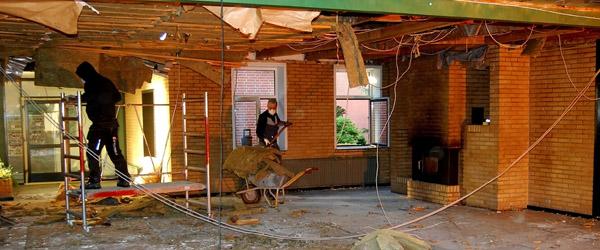 Byggeriet er flyttet ind midt i Hørby Efterskole