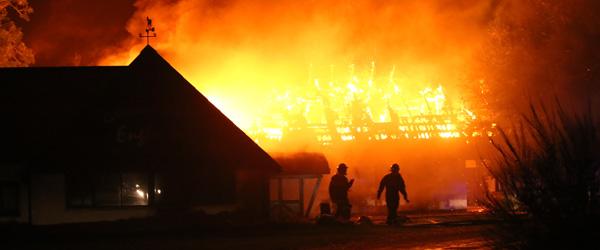 Var der penge eller hævn bag branden på Engholm?