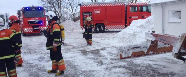 Brand i traktor på Fjembevej i Dybvad