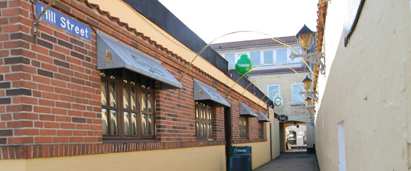 Generationsskifte hos Hillers Bar i Sæby