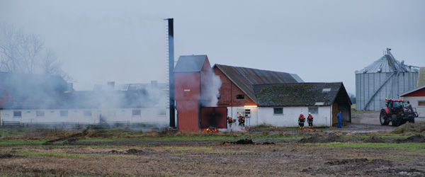 Utilsigtet ild i halmfyr udløste brandalarm