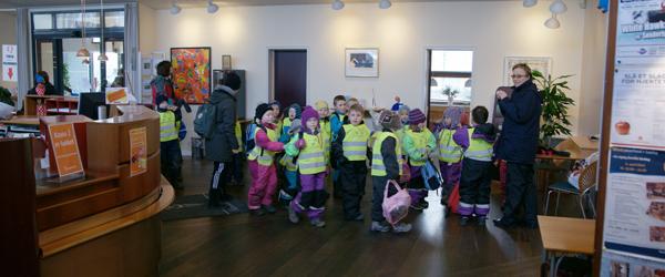 Børnehuset Sætrevej pyntede Nordjyske Bank i Sæby