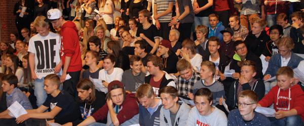 """Fællesskab og """"efterskolesus"""" på Hørby Efterskole"""