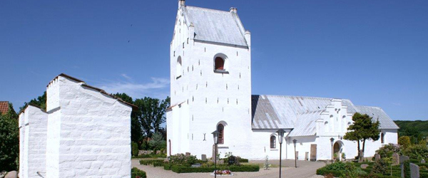 Sommercafé-koncert i Albæk kirke…