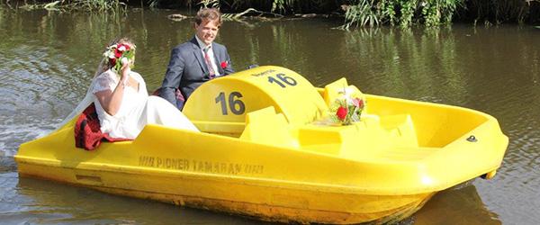 Brudepar på vandvej i Voerså<br>…