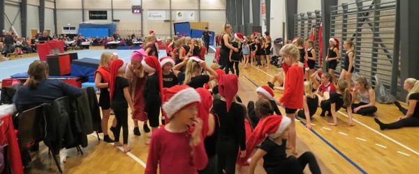 600 gymnaster og julegæster til fest i Springteam Sæby