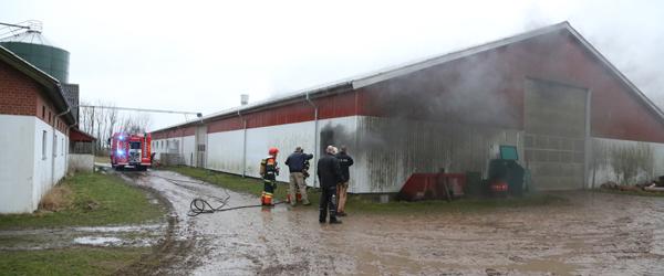 Beredskabet til brand på gård i Østervrå