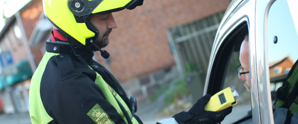 Spritbilist anholdt på<br> motorvejen ved Dybvad
