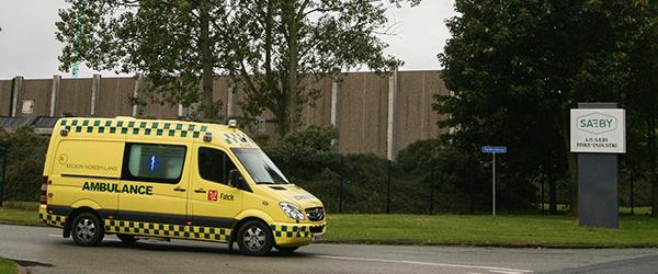 Arbejdsulykke: En 18-årig pige faldt ned fra stillads