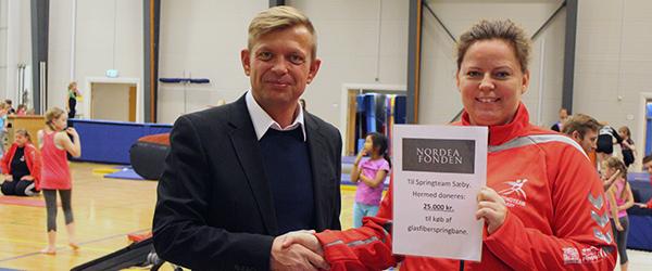 Nordea Fonden donerer 25.000 kr. til Springteam Sæby