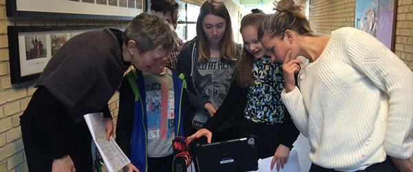 Unge på Sæbygårdskolen laver film om livreddende førstehjælp