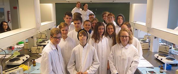 8. klasseelever fra Sæby fanger forbrydere på HTX