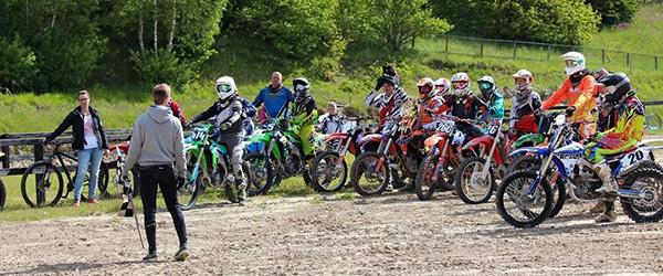 Standerhejsning i Frederikshavn Moto Cross Klub