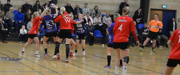 Cecilie Termansen og Ida Andersen siger tak for nu til Vendsyssel Håndbold