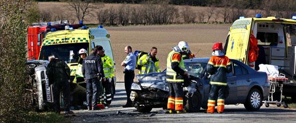 To biler kolliderede på Tryvej nær Dybvad